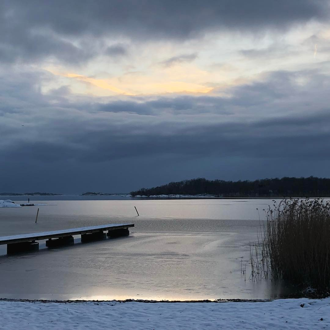 Vintermagi  wintersunset kns blekinge sweden Continue reading rarr